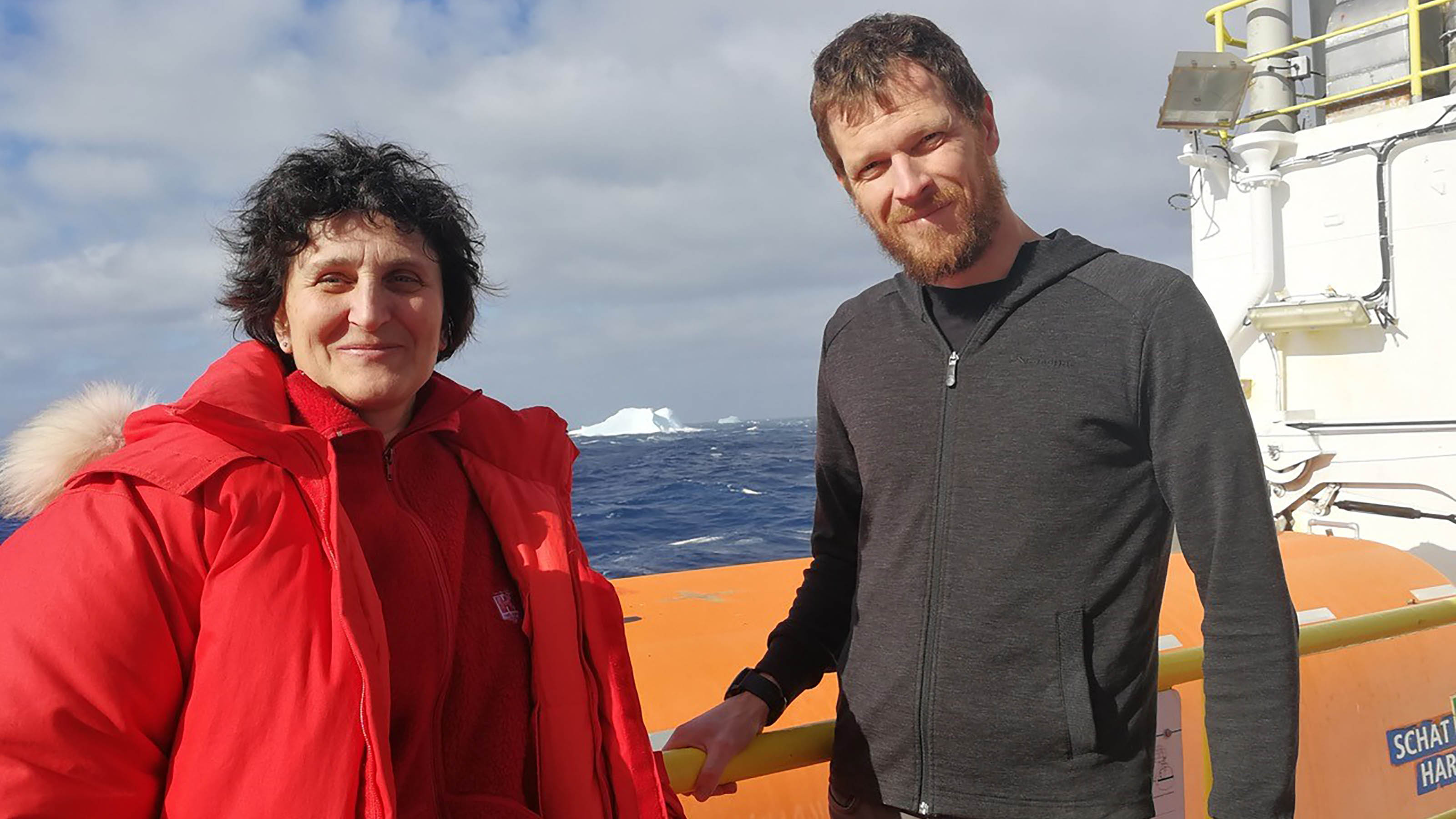 Dr Laura De Santis and Associate Professor Rob McKay aboard the JOIDES Resolution research vessel
