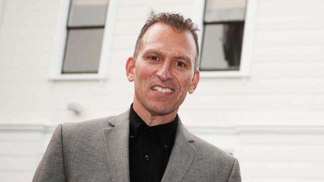 Associate Professor Dan Laufer