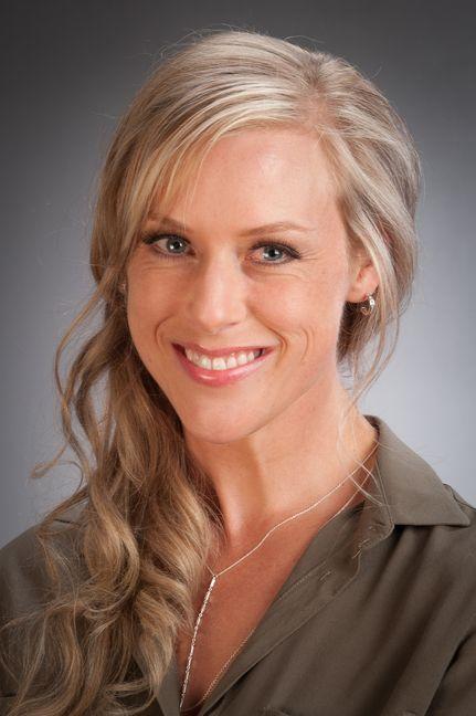 Fiona Dempsey profile-picture photograph