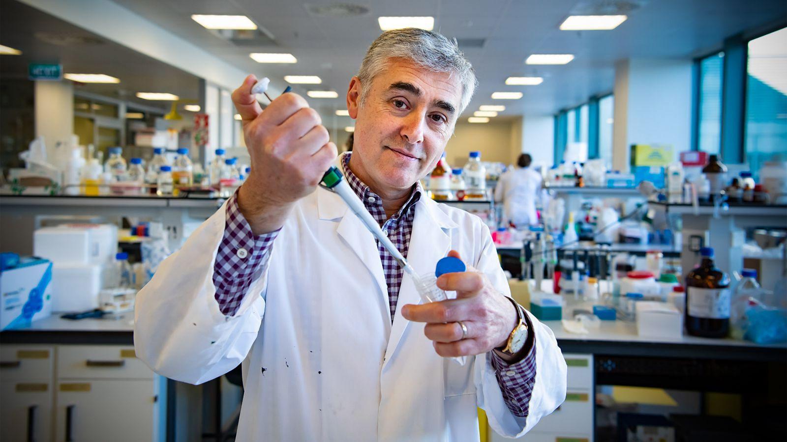 Dr Davide Comoletti