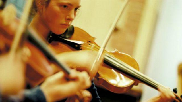 A RNZ violinist on her instrument.