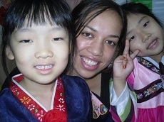 PhD student Rachel Yates with Korean students