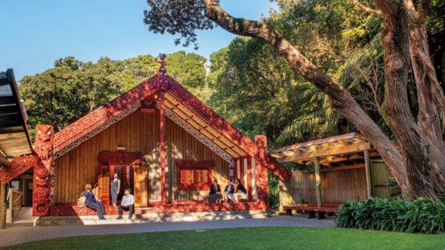 Entrance of Te Herenga waka marae