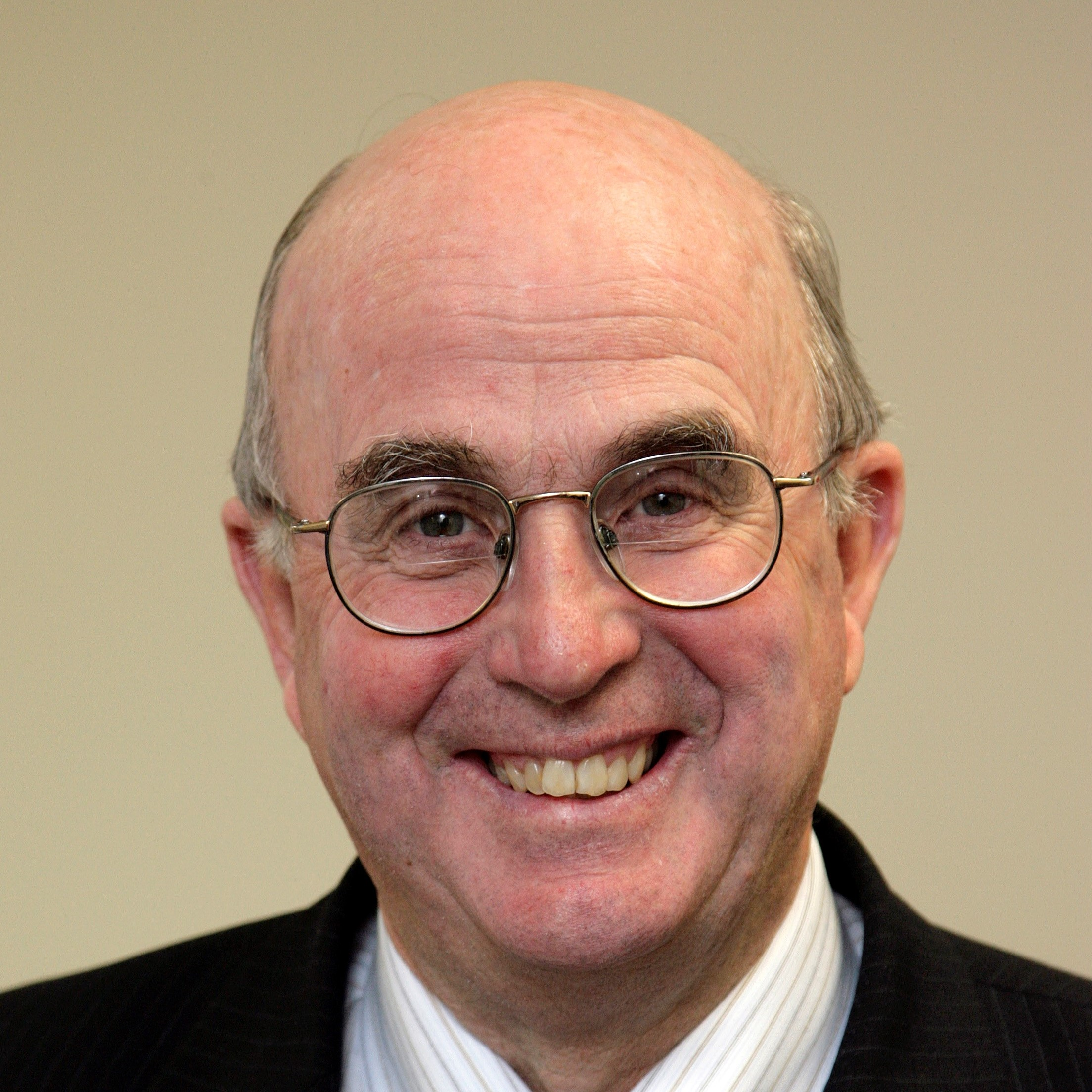 Sir David Carruthers profile-picture photograph