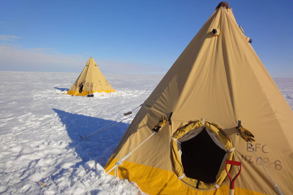 Polar tents, WISSARD field camp c. Huw Horgan 2011-2012