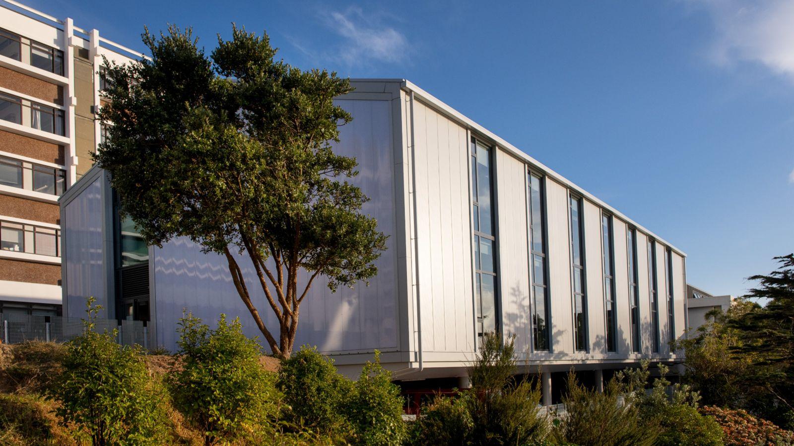 Maru-building-exterior
