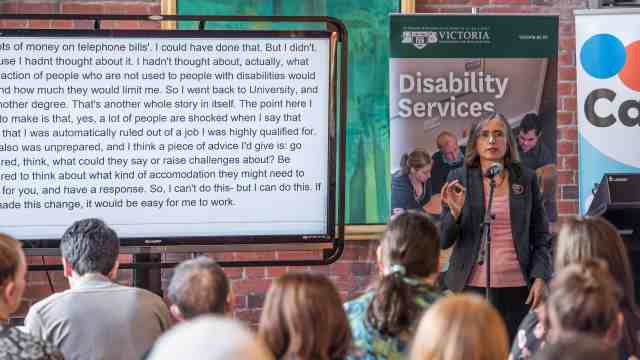 MP Mojo Mathers talks to Victoria students about coping with a disability