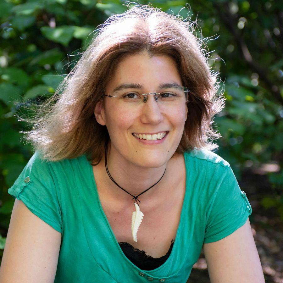 Geraldine Smieszhala profile-picture photograph