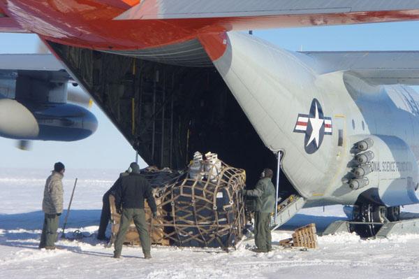 A C-130 Hercules picking up science equipment c. Huw Horgan 2011-2012