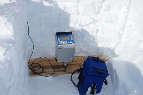 Gravimeter CG-5 set up at the grounding line base station on Whillans Ice Stream c. Atsuhiro Muto 2011-2012