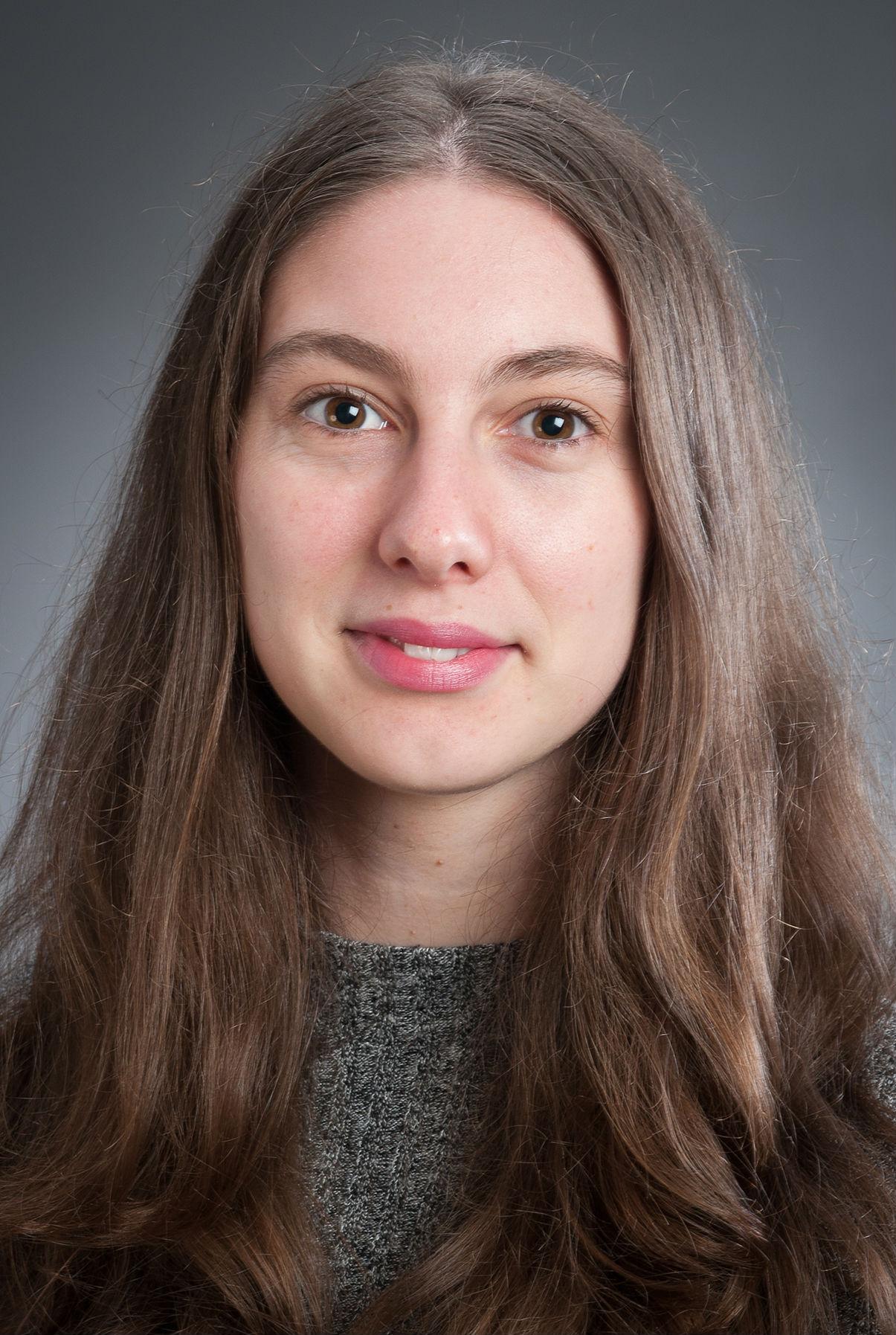 Emma Tennent profile-picture photograph