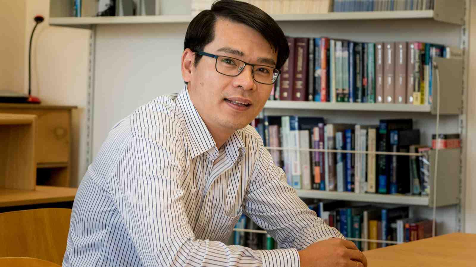 A profile image of PhD graduate, Dr Hoang Nguyen.