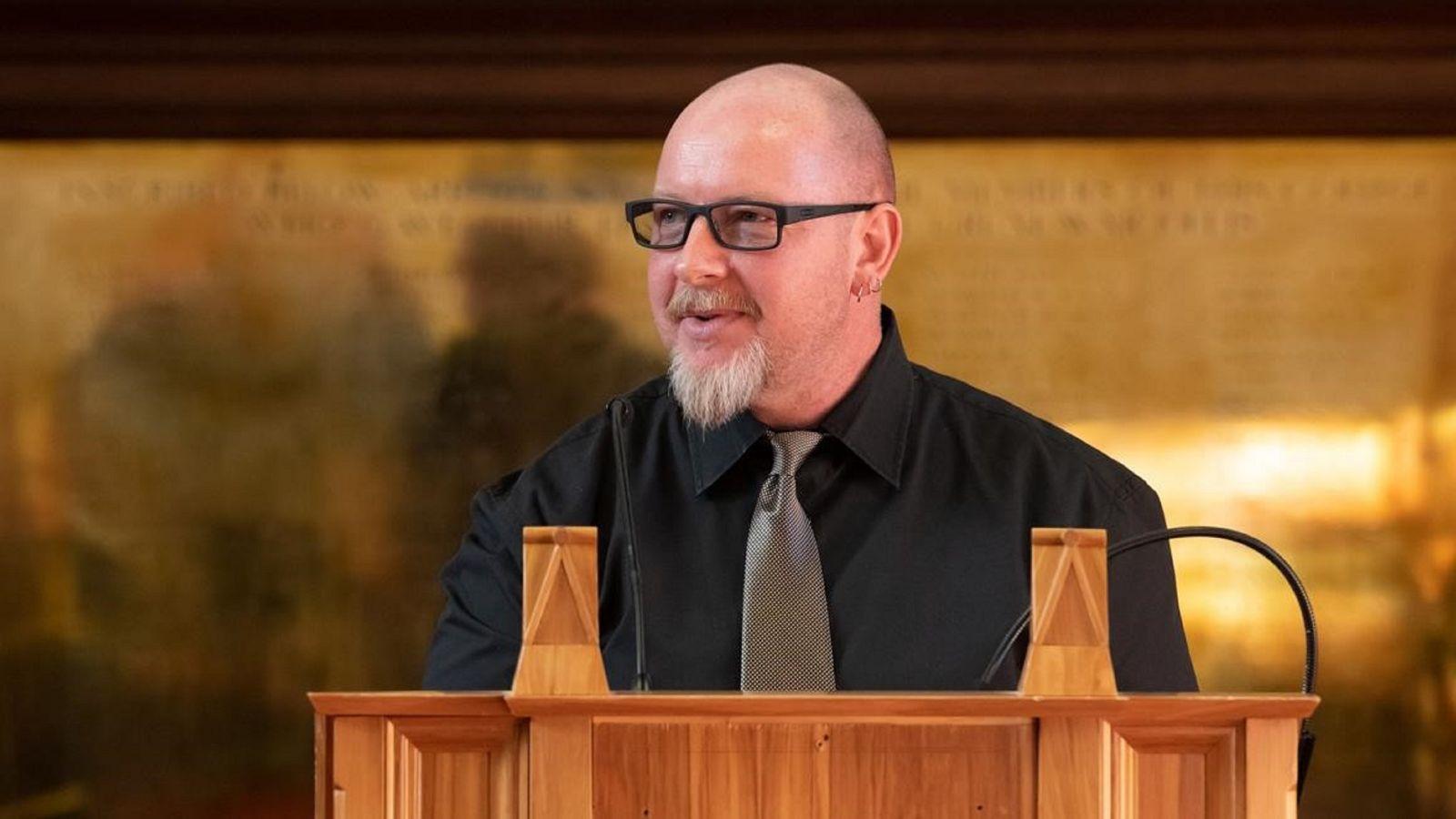 Dr Chris Bowden