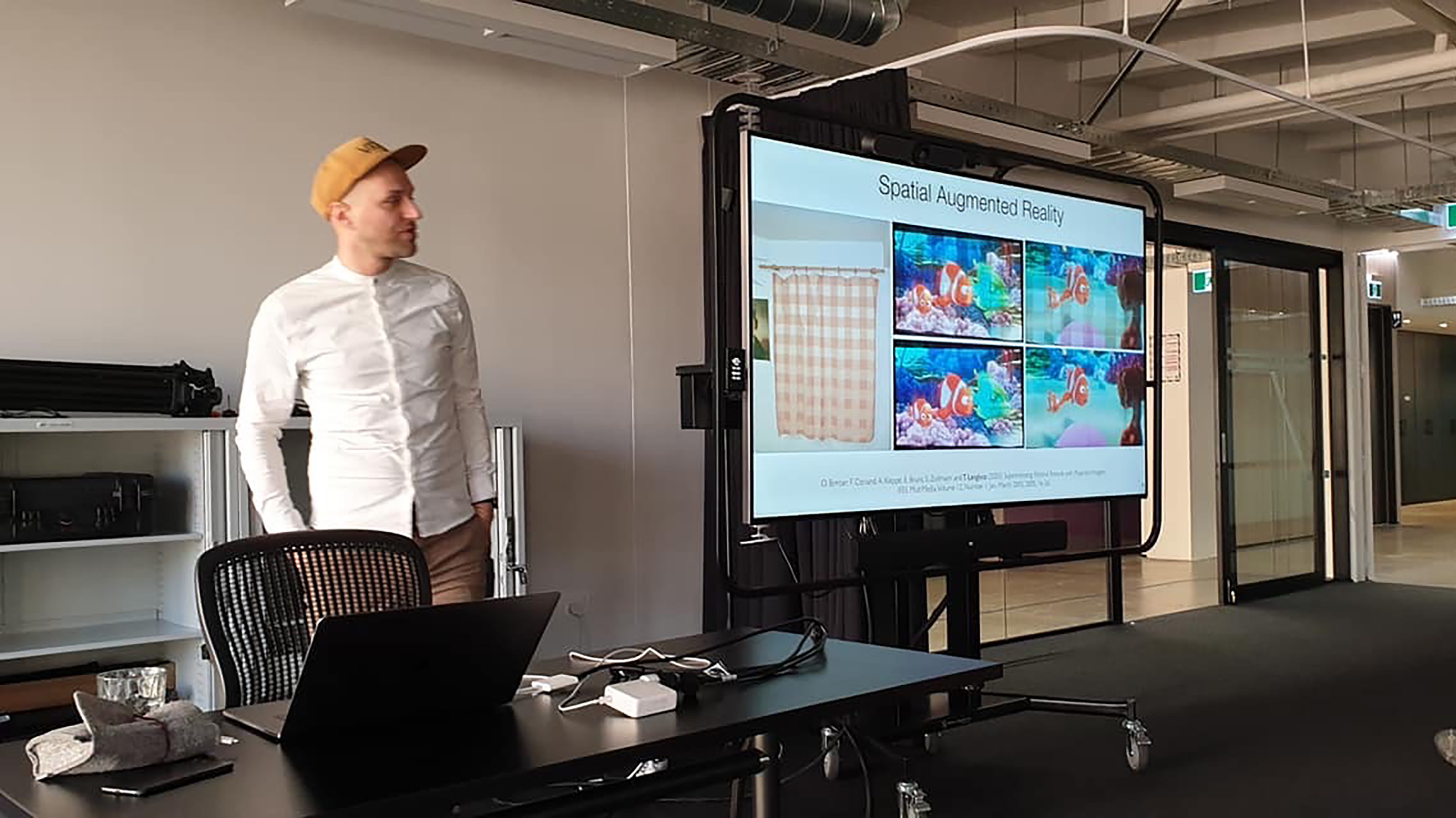 Associate Professor Tobias Langlotz of the University of Otago presents his journey in the field of Augmented Reality.
