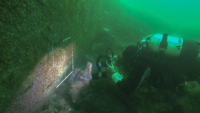 Valerio Micaroni conducting surveys of the underwater cliffs