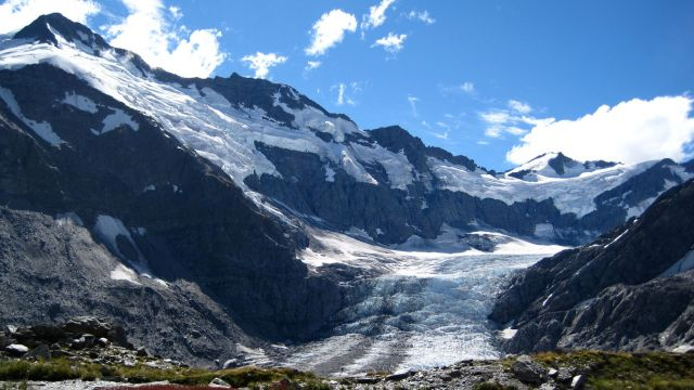 image of mountain with glacier in the centre