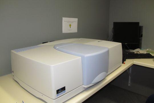 Perkin Elmer Lambda 1050 UVVis spectrometer