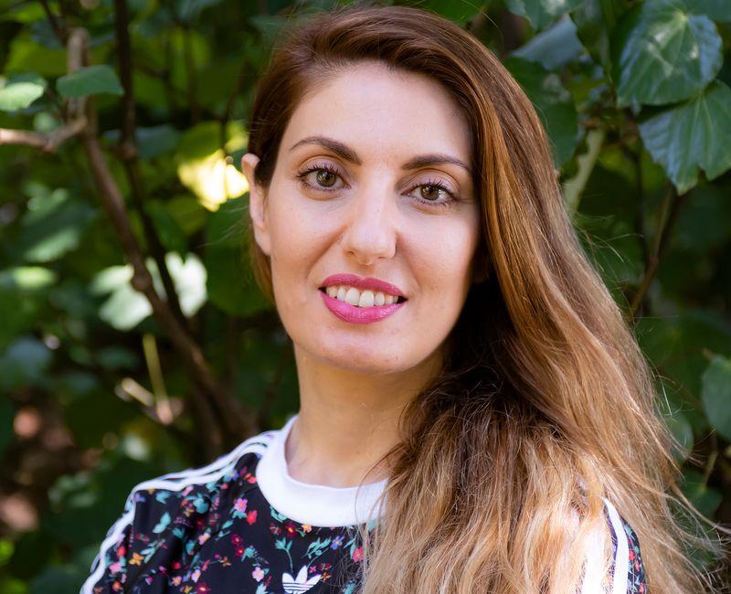 Joanna Mete profile-picture photograph