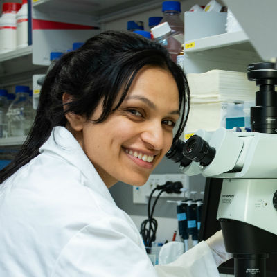 Clinical immunology student Palak Mehta in laboratory