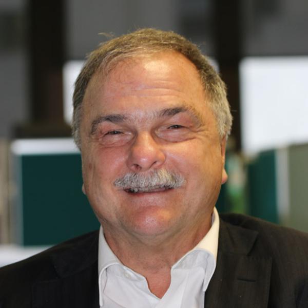 Len Cook profile-picture photograph
