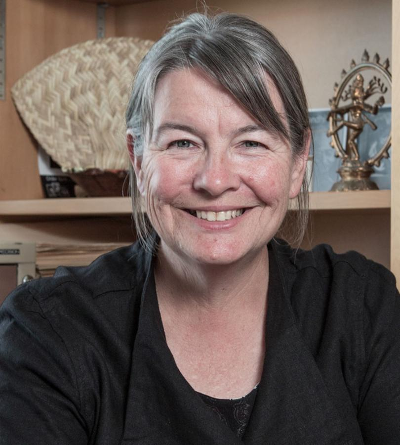 Dr Jane Buckingham profile-picture photograph