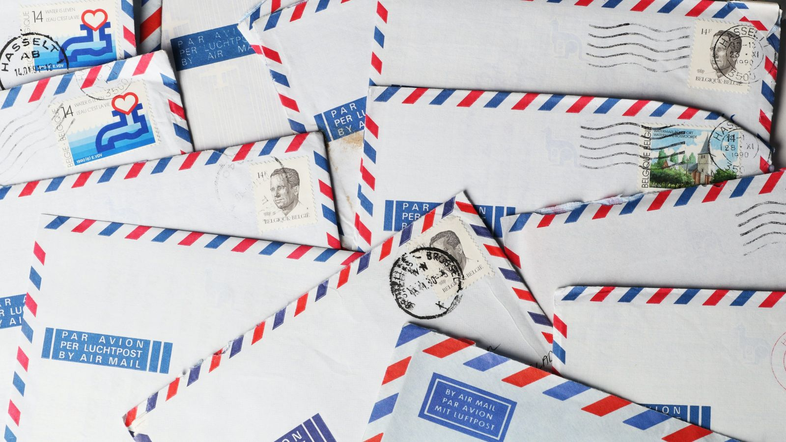 pile of airmail envelopes