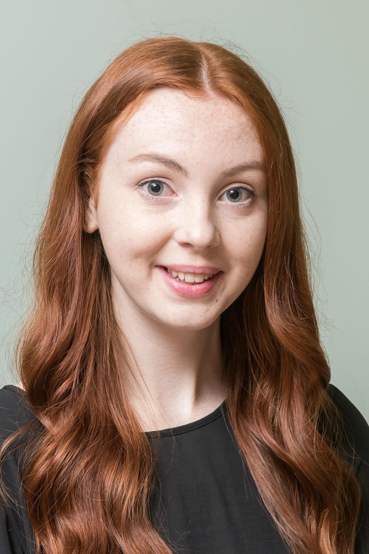 Laura Anderson profile-picture photograph
