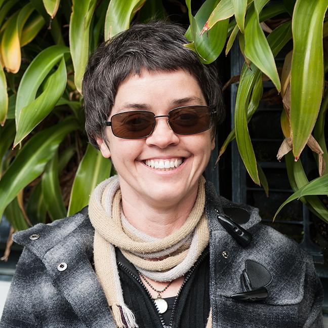 Dr Angi Buettner