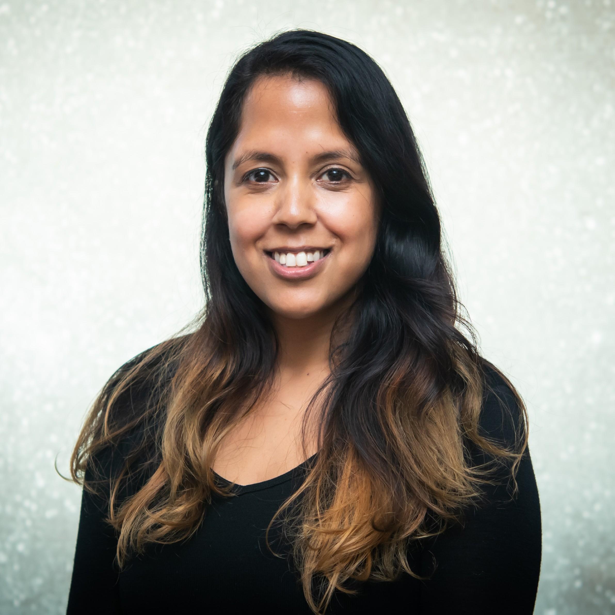 Anita Ravji profile picture photograph