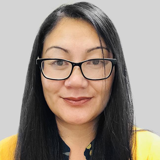 Anna Farani profile-picture photograph
