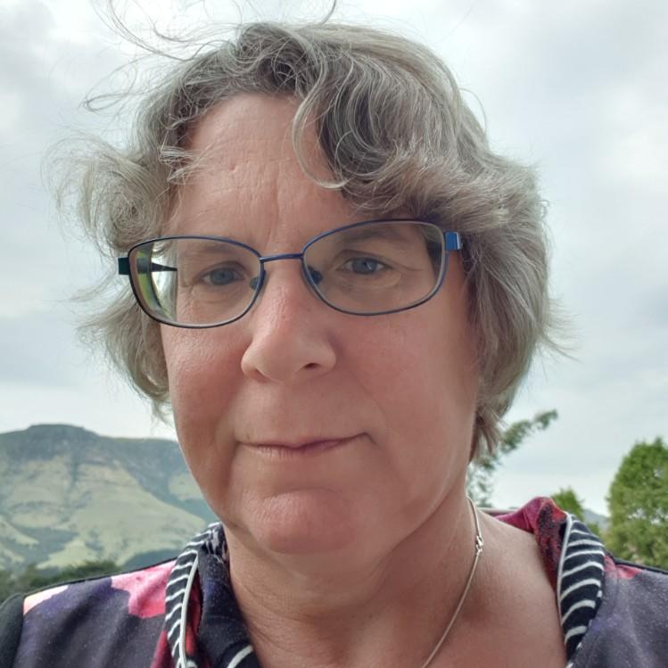 Anne Scott profile-picture photograph