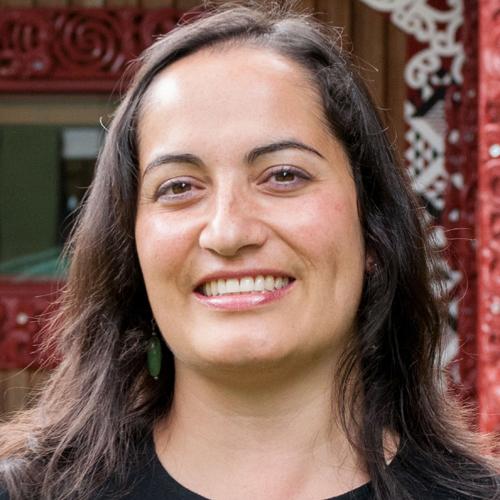 Arini Loader profile picture photograph