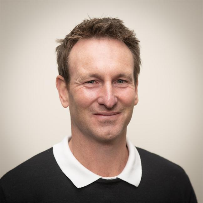 Benji Compton profile picture photograph