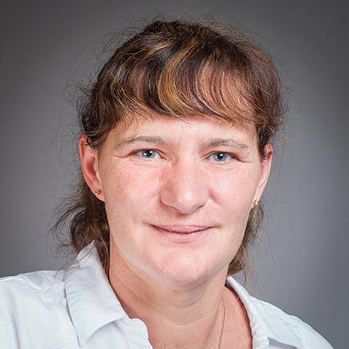 Dr Bernadette Knewstubb