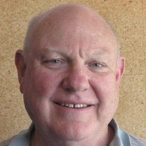 Bruce Carey profile-picture photograph