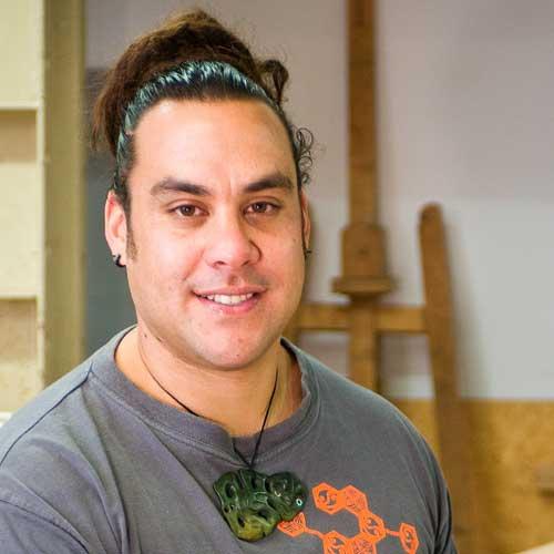 Dave Hakaraia