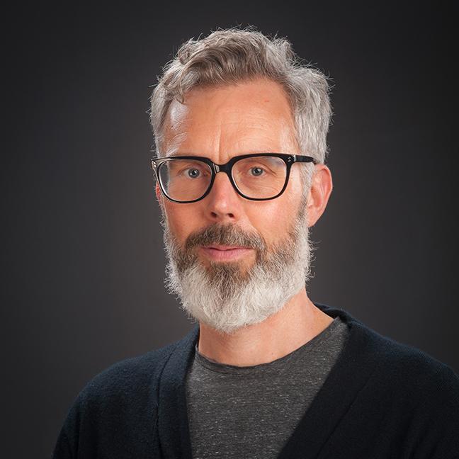 AProf Dugal McKinnon profile-picture photograph