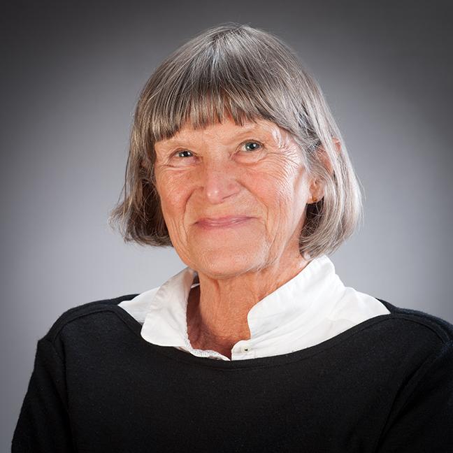 Dr Elizabeth Pearce profile-picture photograph