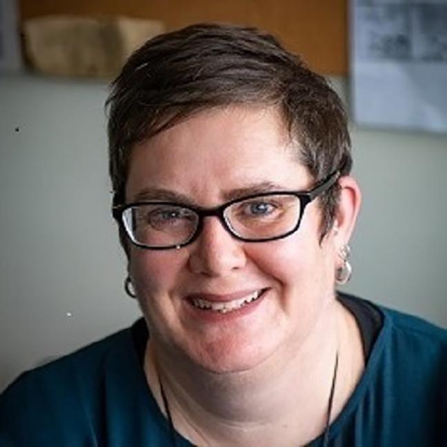 Dr Fiona Hutton profile-picture photograph