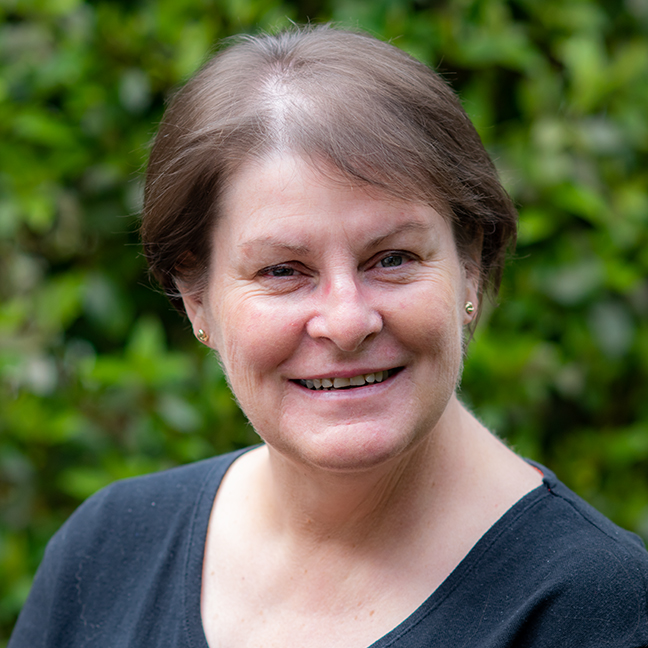 Gill Roberts profile picture photograph