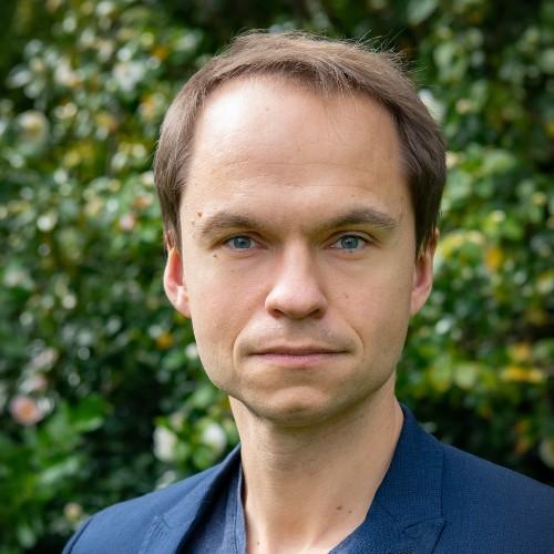 Jakub Glowacki profile-picture photograph