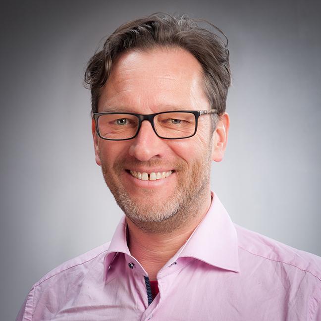Dr Joost de Bruin profile-picture photograph