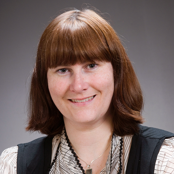 Karen Pyper profile-picture photograph