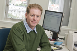 Dr Ken Bates