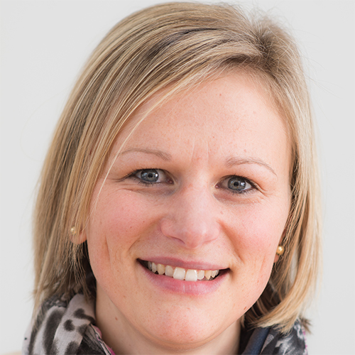 Dr Larah van der Meer profile-picture photograph