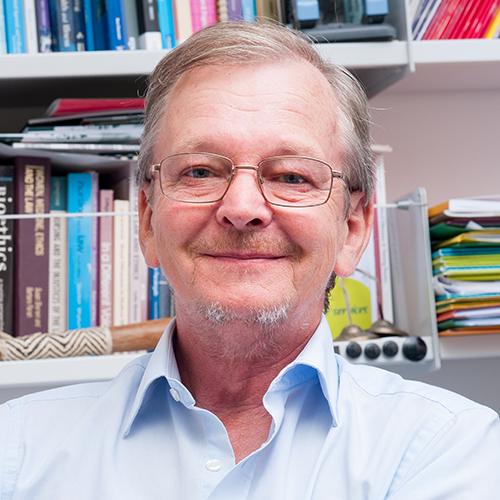 Dr Martin Woods