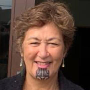 Dr Mere Skerrett profile-picture photograph
