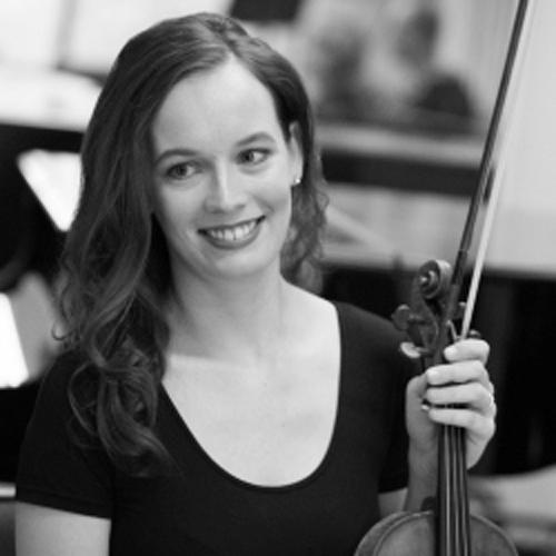 Monique Lapins profile-picture photograph