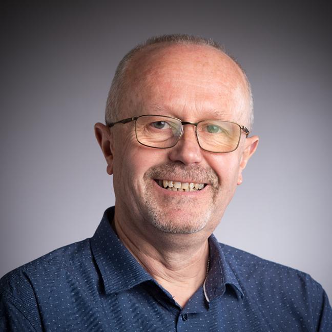 Paul Evans profile-picture photograph