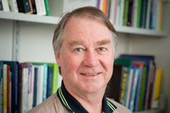 Dr Philip Calvert profile-picture photograph